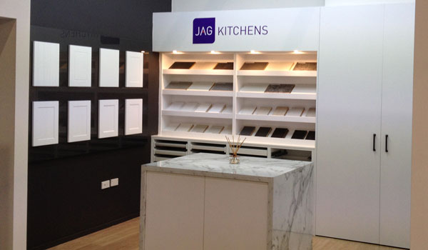 Product sample selection station