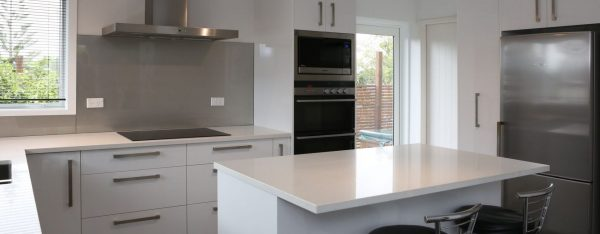 new-life-for-outdated-kitchen