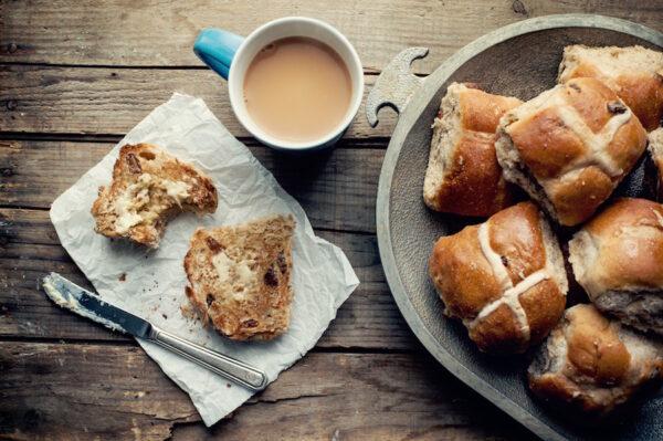 Handmade hot cross buns | Jag Kitchens